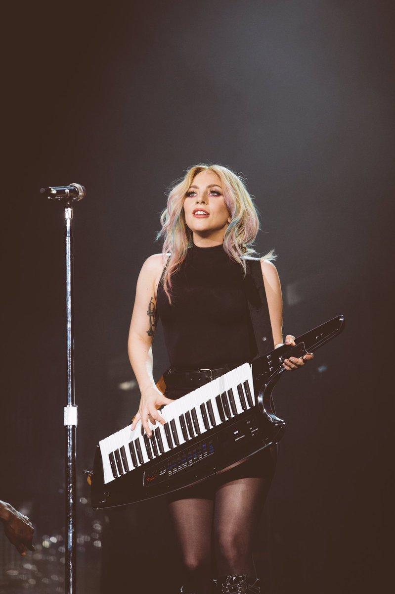 Lady Gaga - Σελίδα 4 C-FqK-yUMAAyBmb